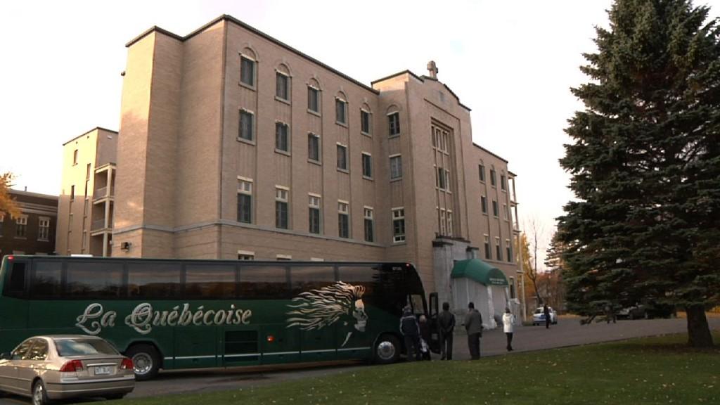 Autobus devant services diocésain
