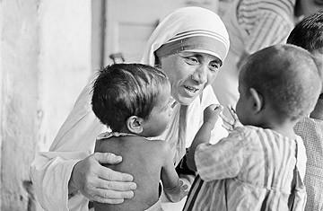 Mother Teresa + children
