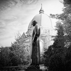 Steven-Scardina-Statue du frère André