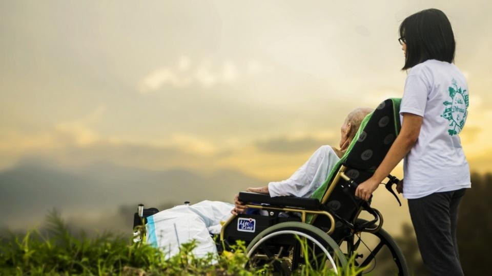 La santé est un tout: réflexion sur la 29e Journée mondiale des malades