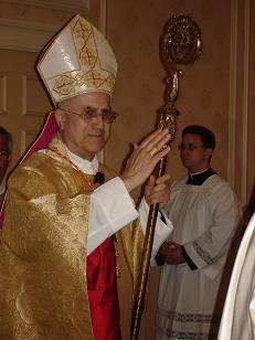 Le cardinal Bertone à la messe d'ouverture de la convention le 7 août