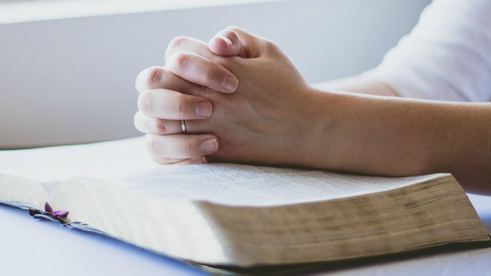 prayer-1308663_1280-2