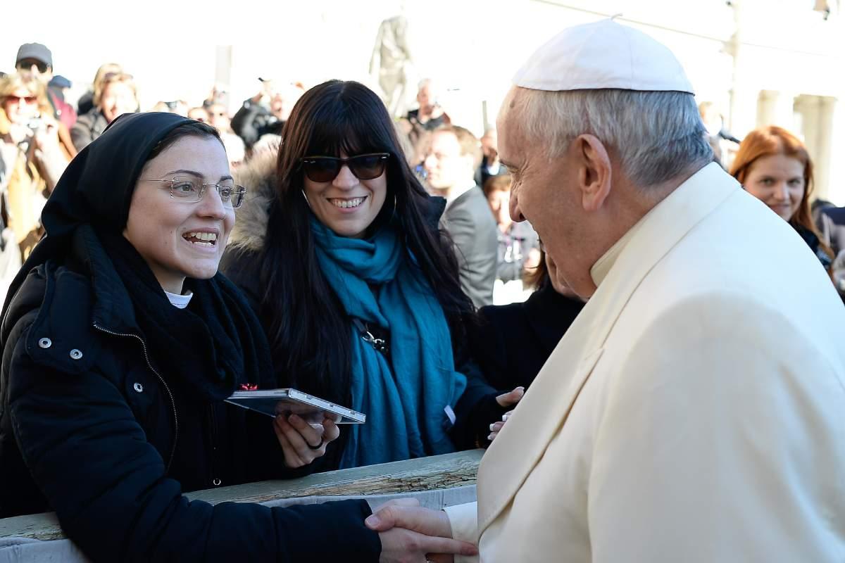 Vatican Pope Singing Nun